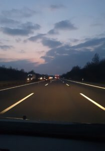 Heimfahrt in den Sonnenuntergang